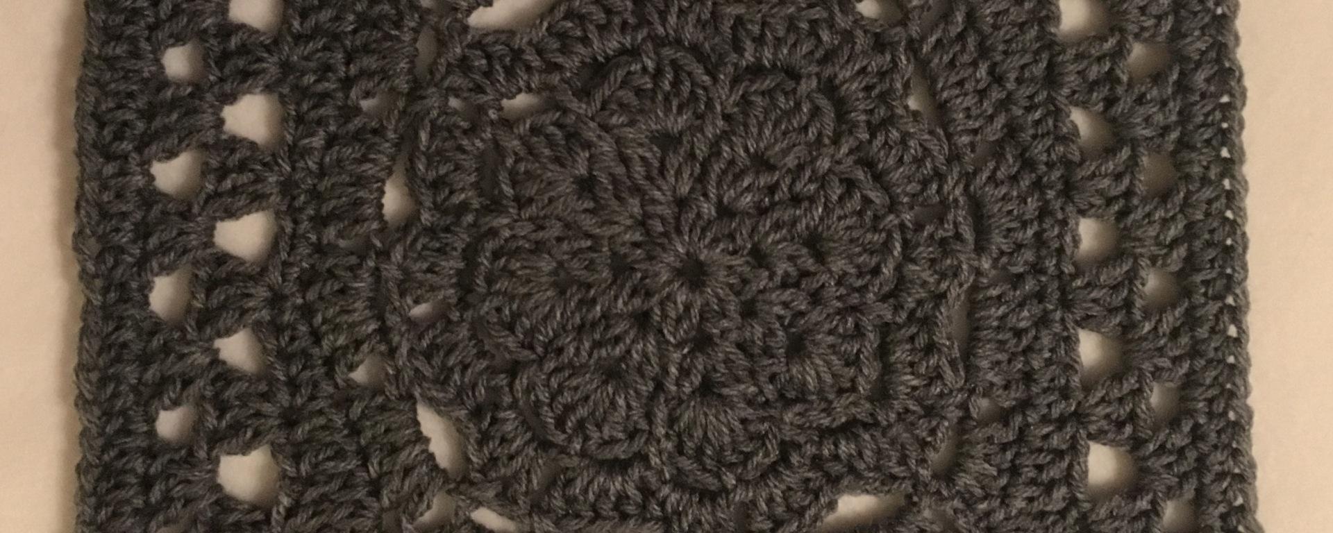 Flower Burst Crochet Square – Moogly 2018 CAL Square 1 – Blinking Cat